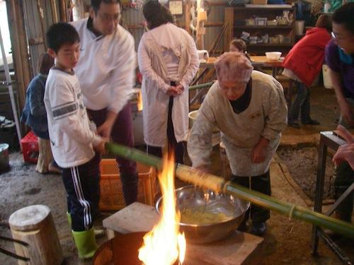 青竹を使ったバームクーヘン画像